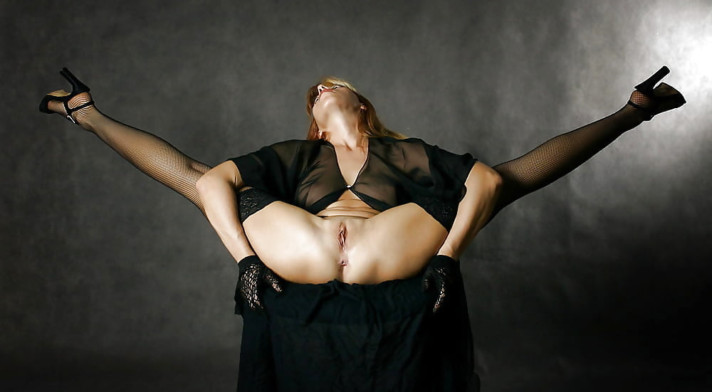 Have extreme nude contortionists female sorry, that