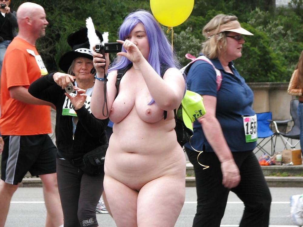 Obese nude public — photo 10