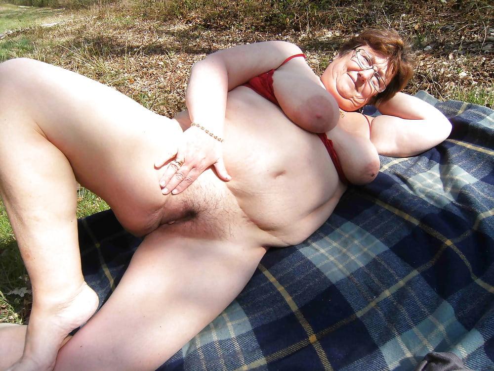 Bbw Outdoor Amateur