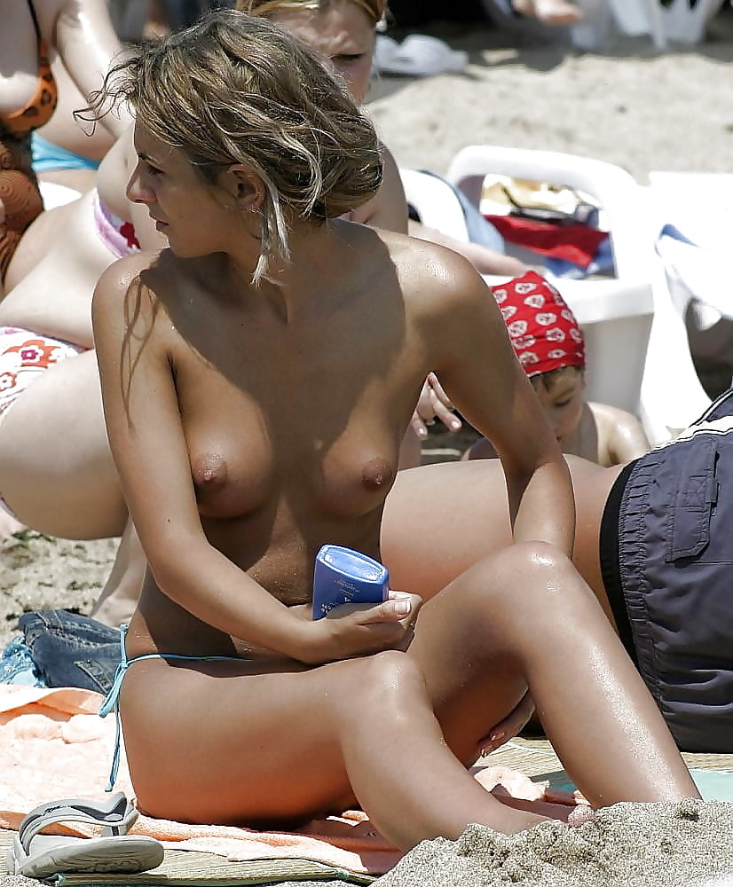 Sexy topless greek beach chicks, posiciones de sexo oral