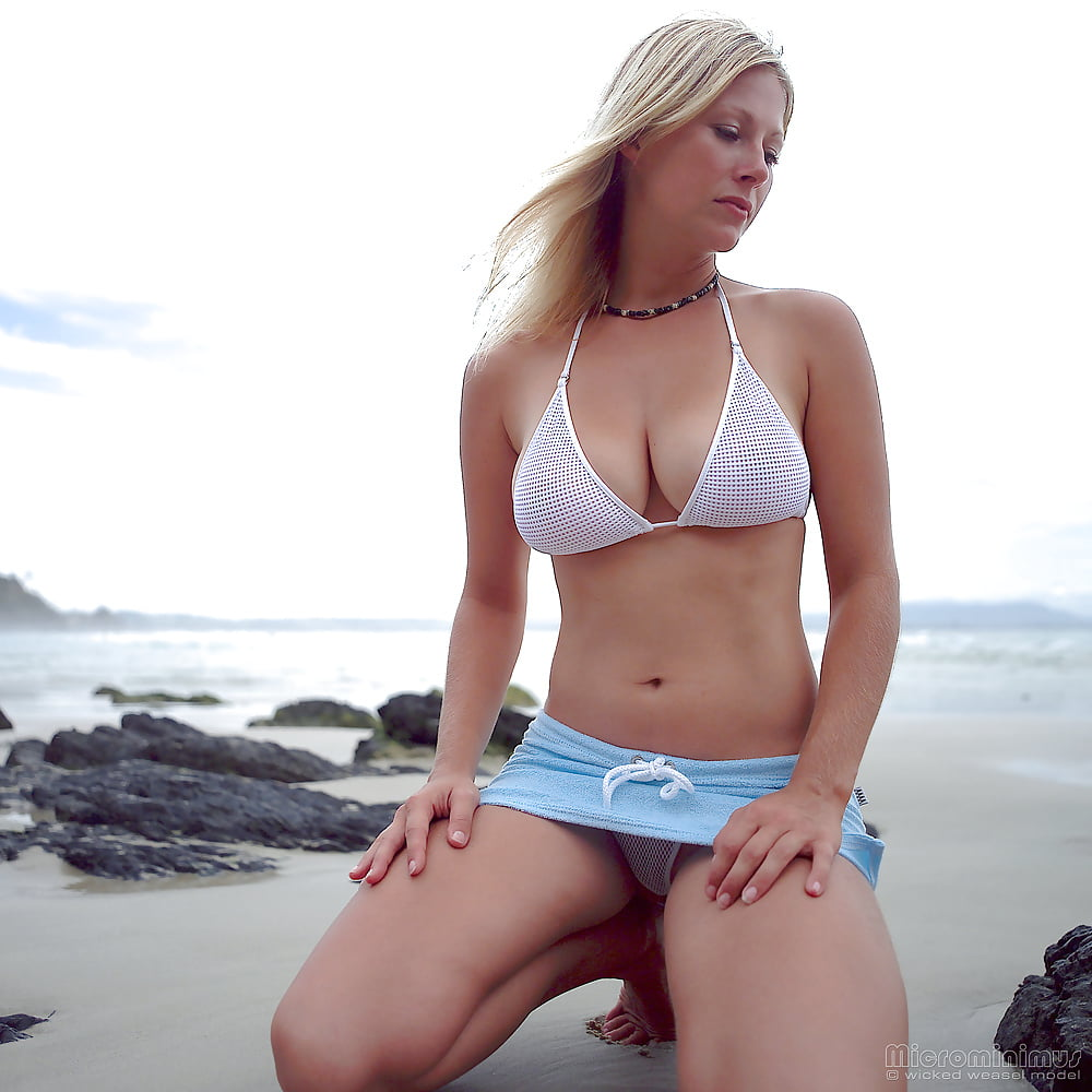 https://x3vid.com/images/56/56900/Babes_Beach_Blondes_Beach_Babe_Shelley_4458895-2.jpg