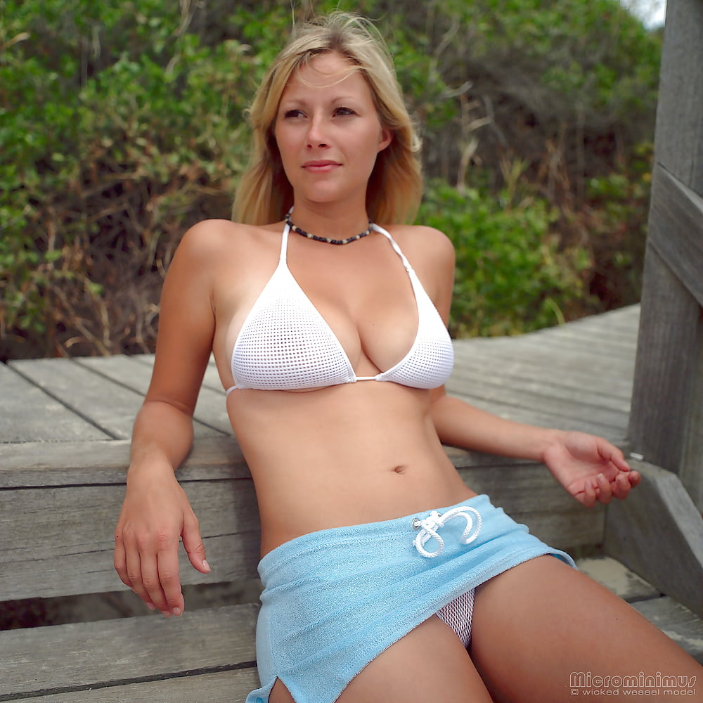 https://x3vid.com/images/56/56900/Babes_Beach_Blondes_Beach_Babe_Shelley_4458895-39.jpg