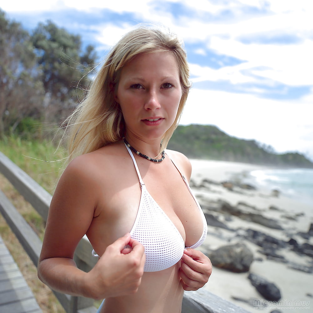 https://x3vid.com/images/56/56900/Babes_Beach_Blondes_Beach_Babe_Shelley_4458895-42.jpg