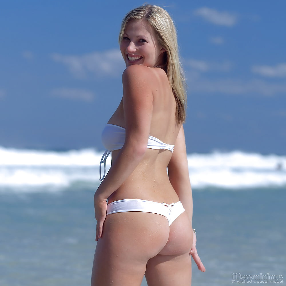 https://x3vid.com/images/56/56900/Babes_Beach_Blondes_Beach_Babe_Shelley_4458895-44.jpg