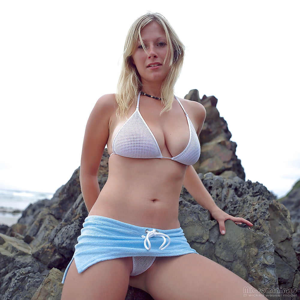 https://x3vid.com/images/56/56900/Babes_Beach_Blondes_Beach_Babe_Shelley_4458895-5.jpg