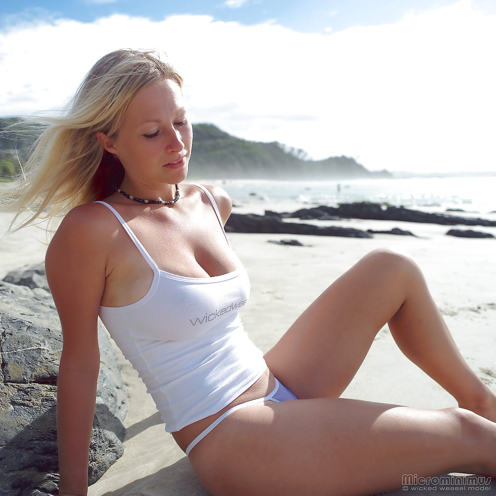 https://x3vid.com/images/56/56900/Babes_Beach_Blondes_Beach_Babe_Shelley_4458895-8.jpg