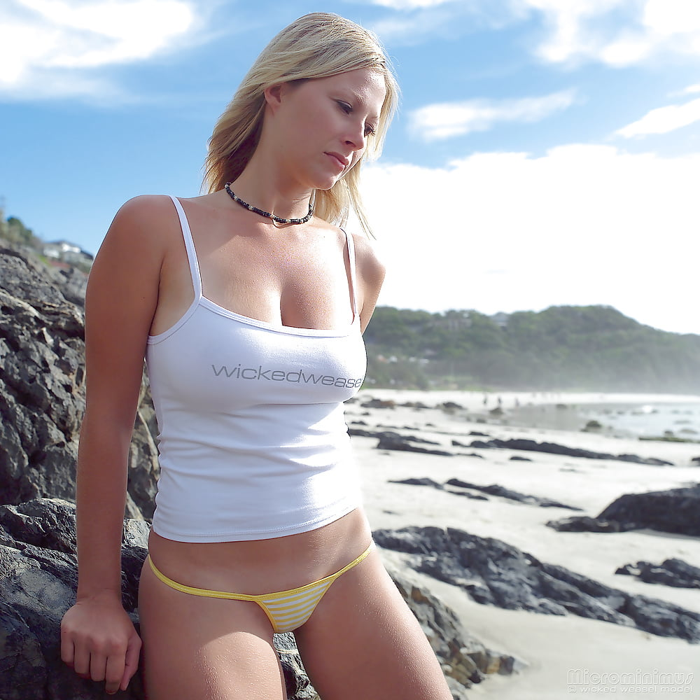 https://x3vid.com/images/56/56900/Babes_Beach_Blondes_Beach_Babe_Shelley_4458895-9.jpg