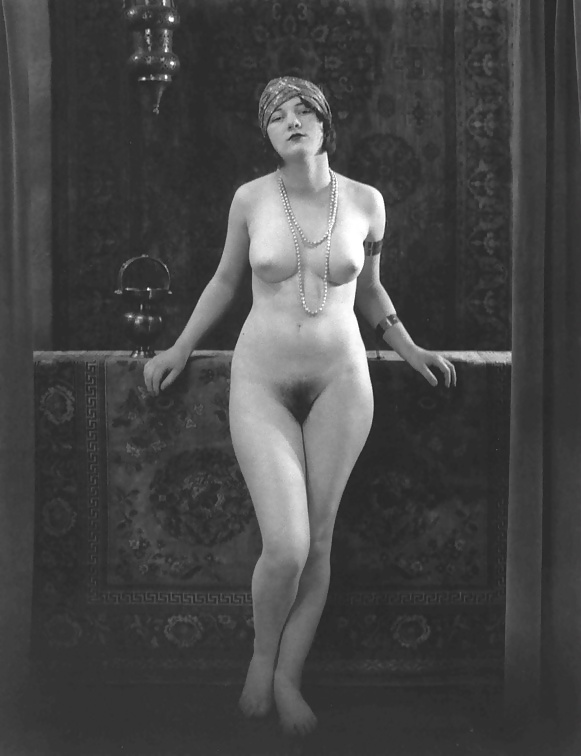 french-women-in-nude