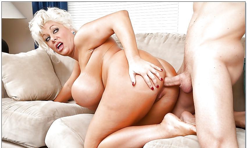 Mature Blonde Big Tits Porn Pics