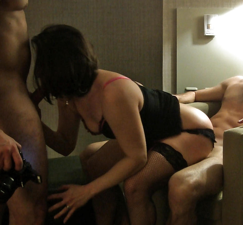Порно муж подсматривает за изменой жены
