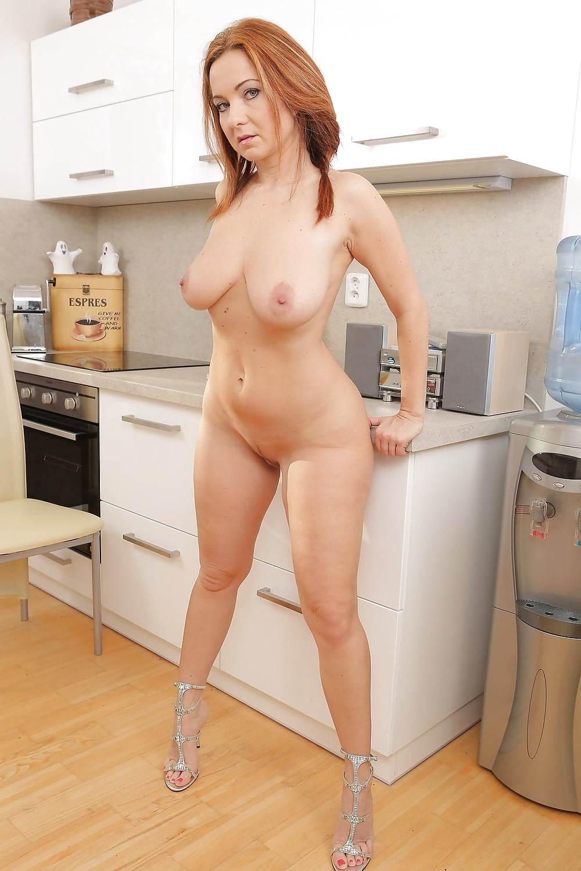jessica-mature-nude-kitchen-briana-banks-blow