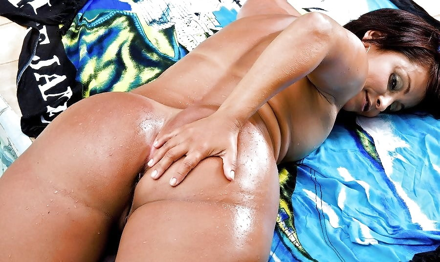 Sexy brazilian milf with perfect huge ass gets big black cock on gotporn