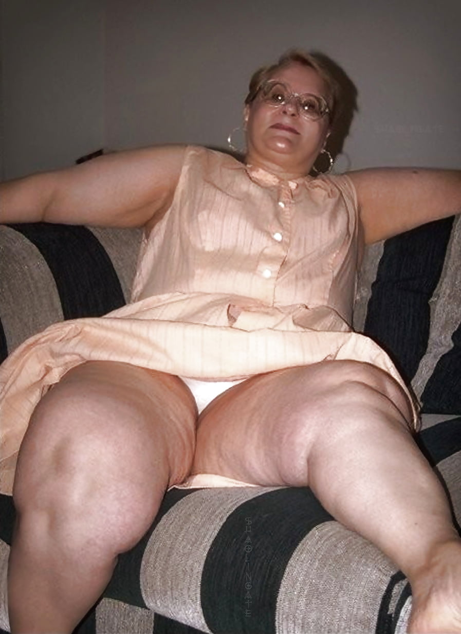 Fat upskirt and panties