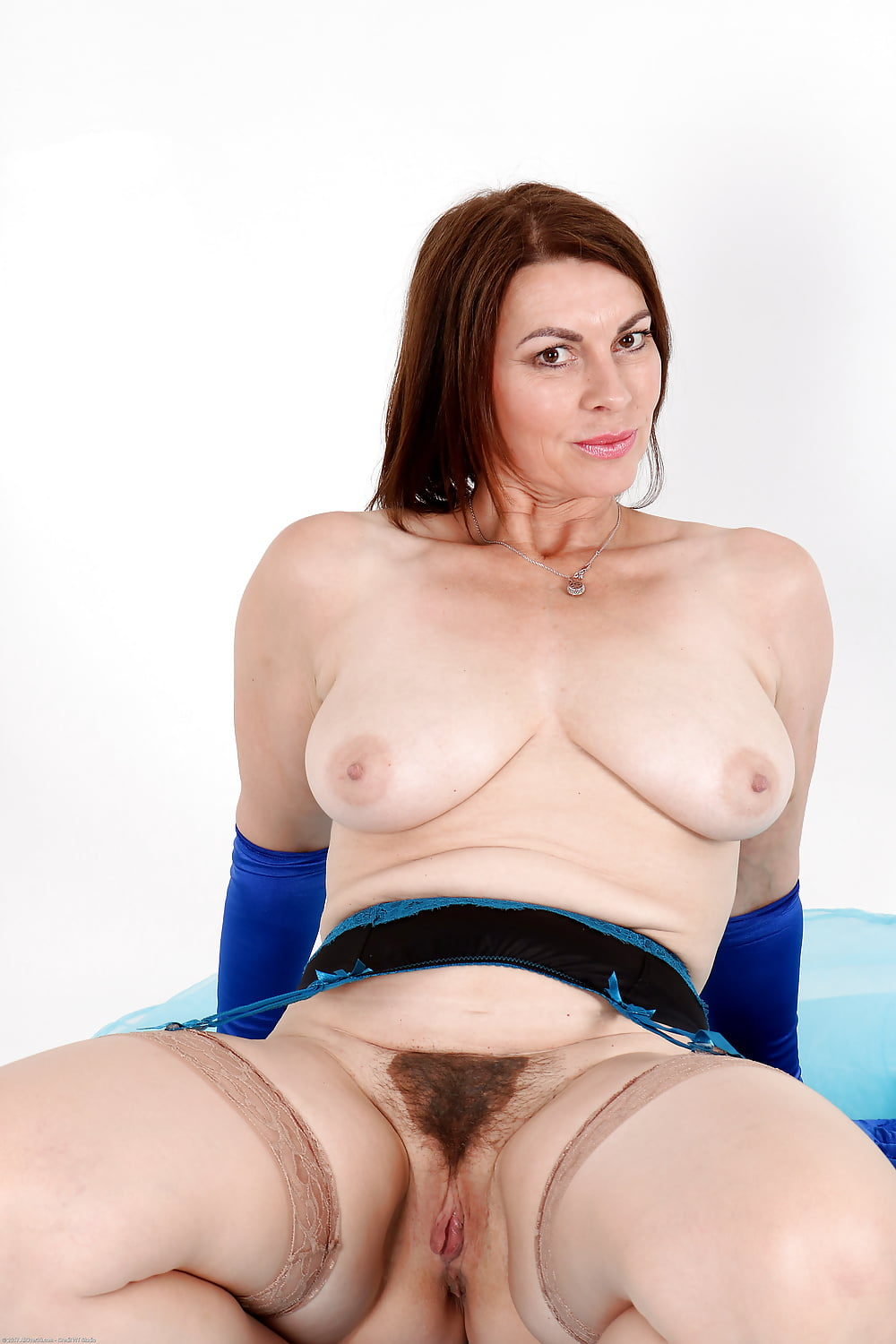 Hot british milf christine playing adult pictures full hd