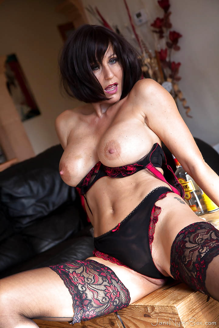 hot-milf-stocking-tits