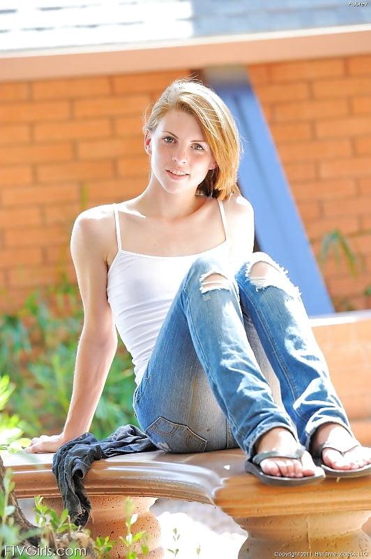 pics-emma-place-fresh-teen-australian