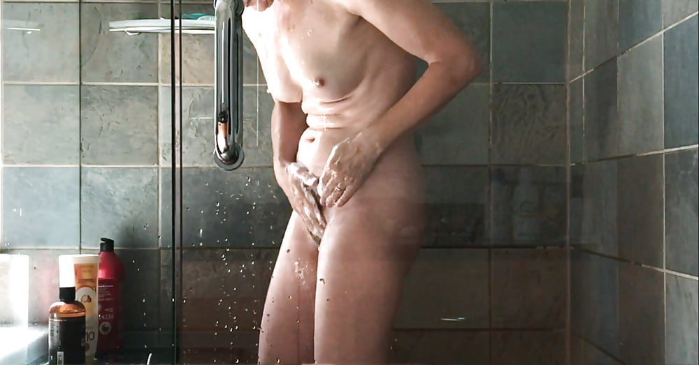 russian-shower-hidden-gif-mature-female-bodybuilder-sex-video