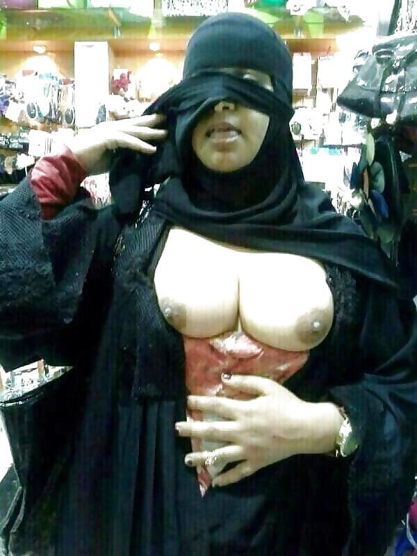 Nude arab girls pussy