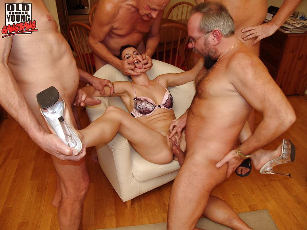 парни секс фото группа молодые и старые просто без ума