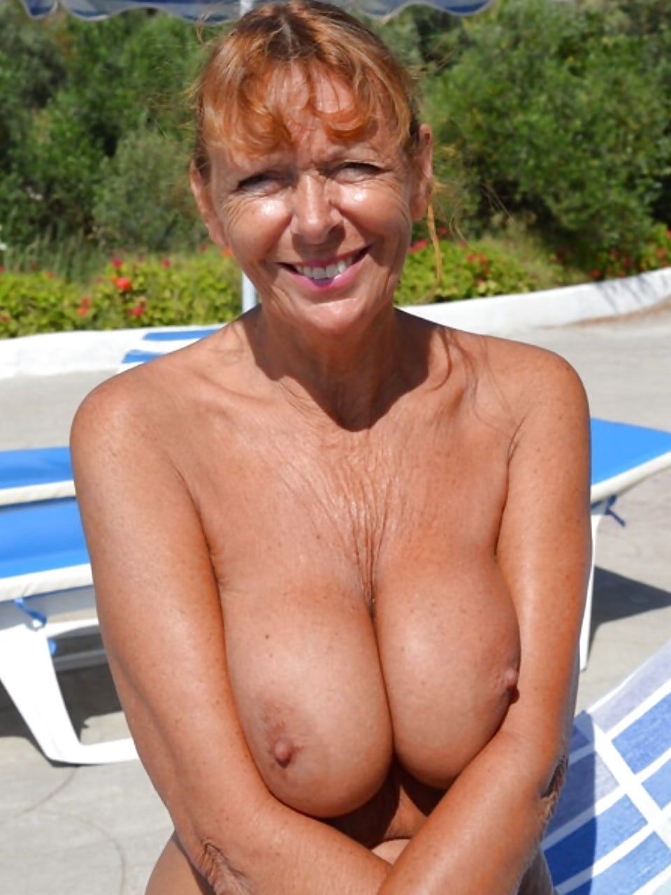 topless-granny-pictures-tumblr-just-naked-missionary-sex
