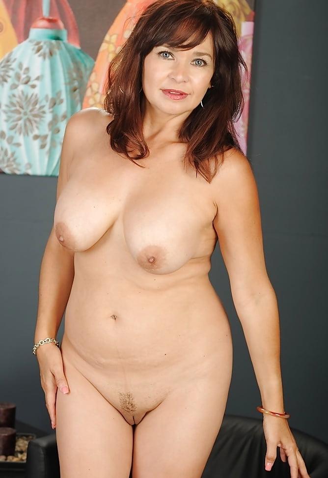 teti-golie-znamenitie