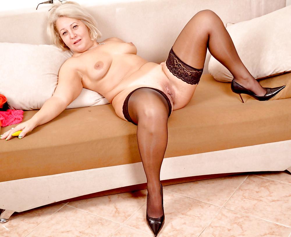голые зрелые проститутки фото смотреть