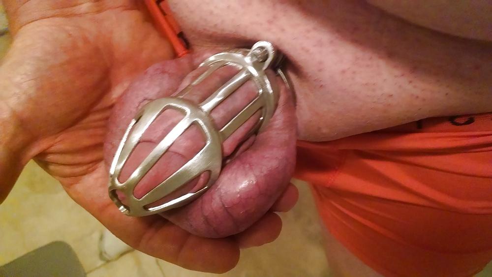 Nub male chastity cock cage