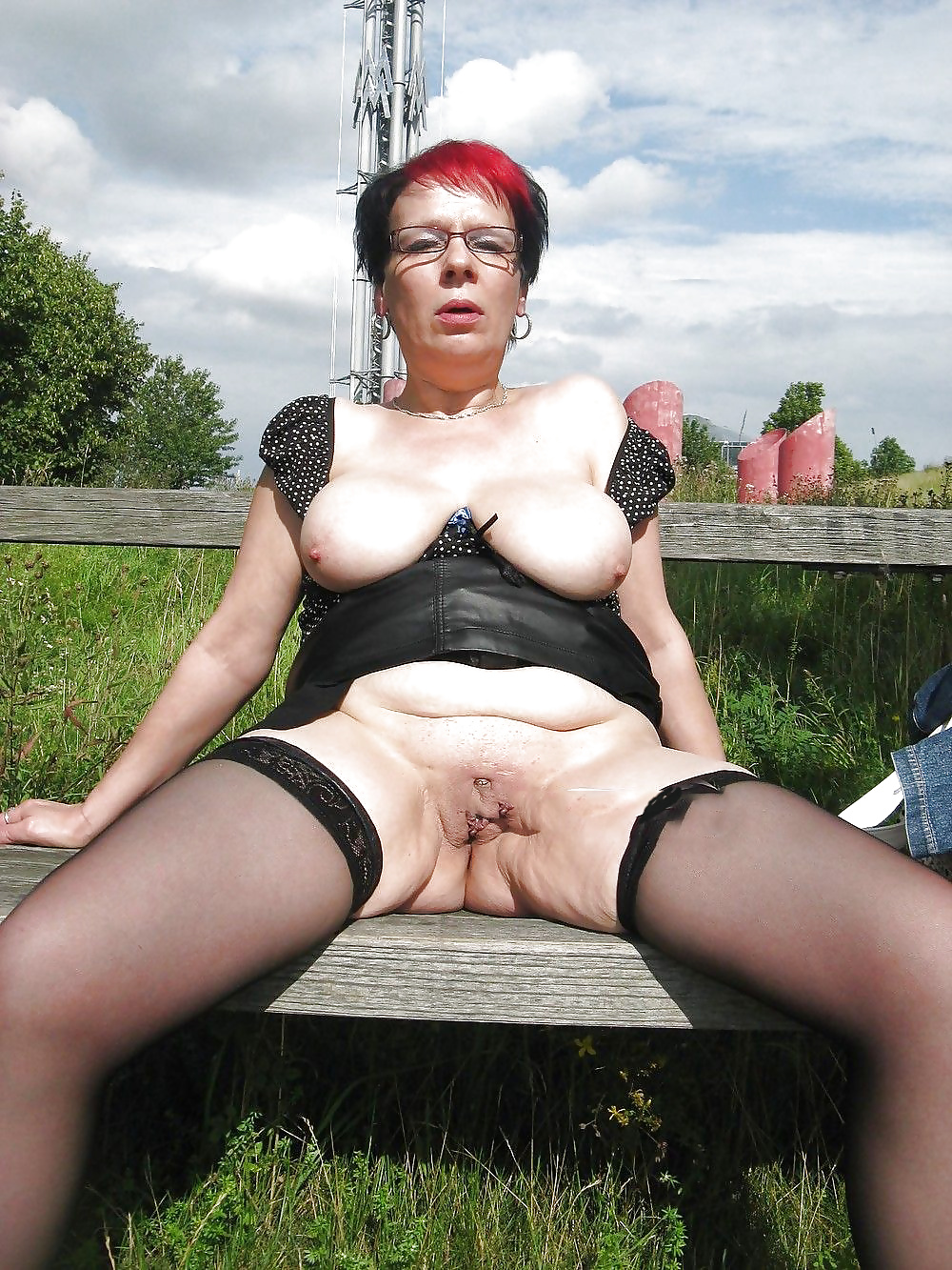 Naked Ladies Outdoors, Sexy Mature Pictures, Women Porn Gallery