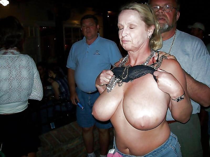 Brüste omas dicke Dicke Brüste