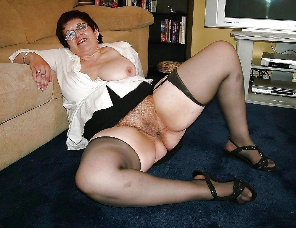 Mature twat erotic pics