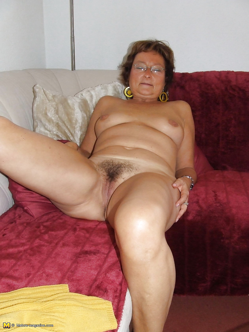 Mature housewives in the nude, sexy busty pics naked