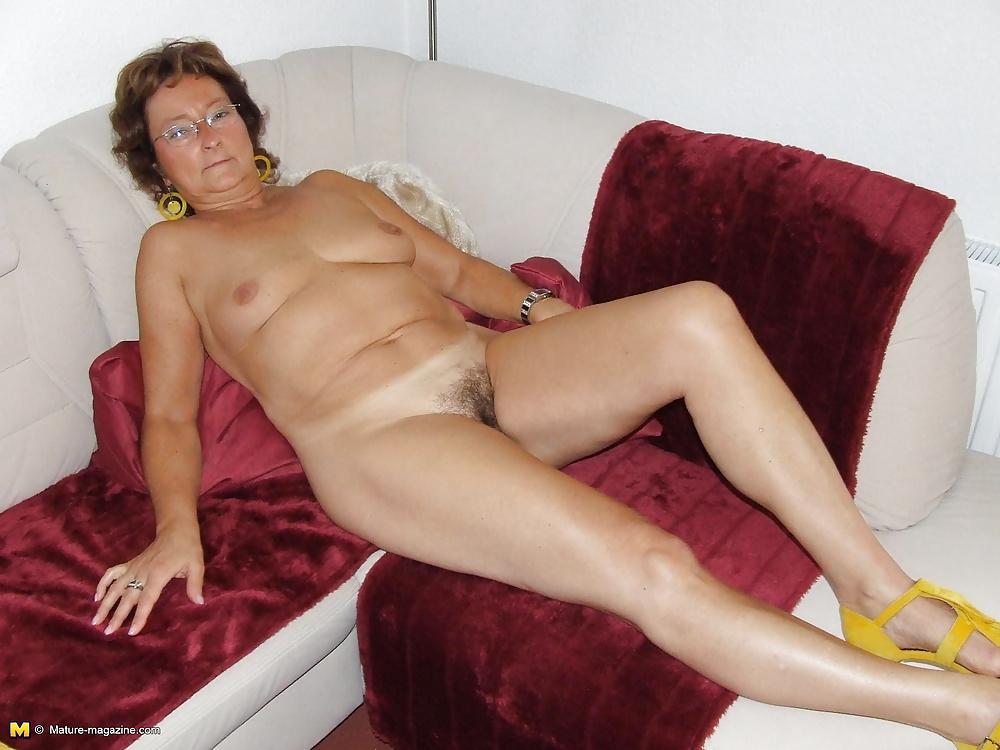 Amateur granny nude — img 8