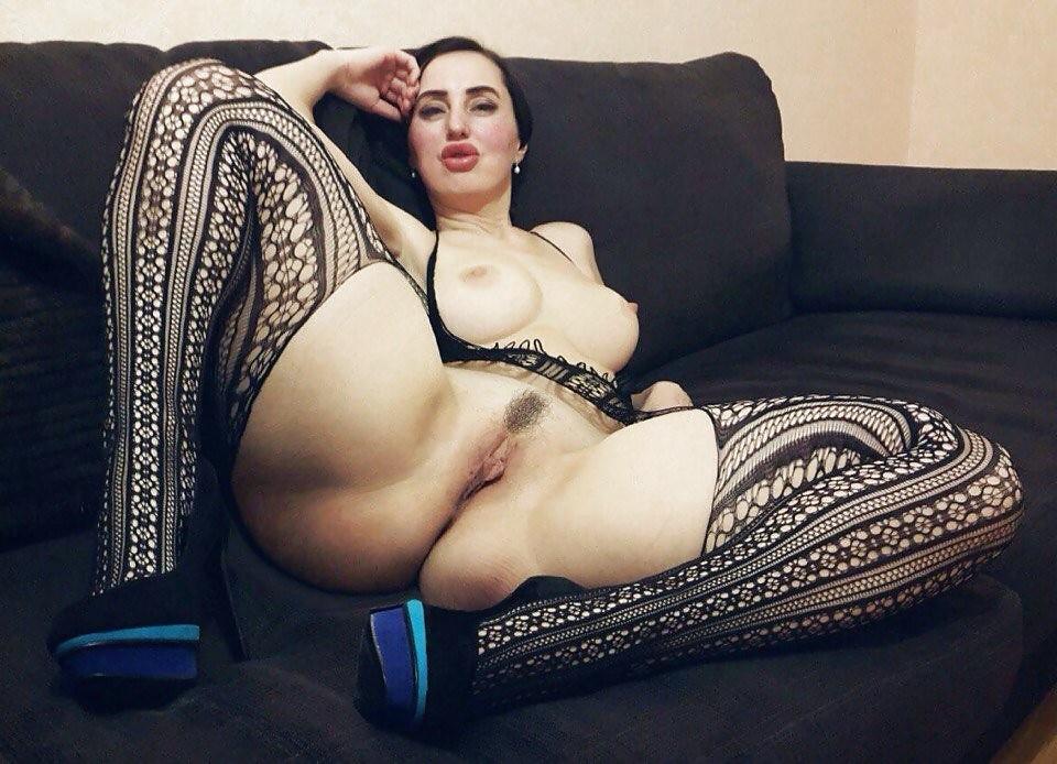 Wide Hips Milf Pics