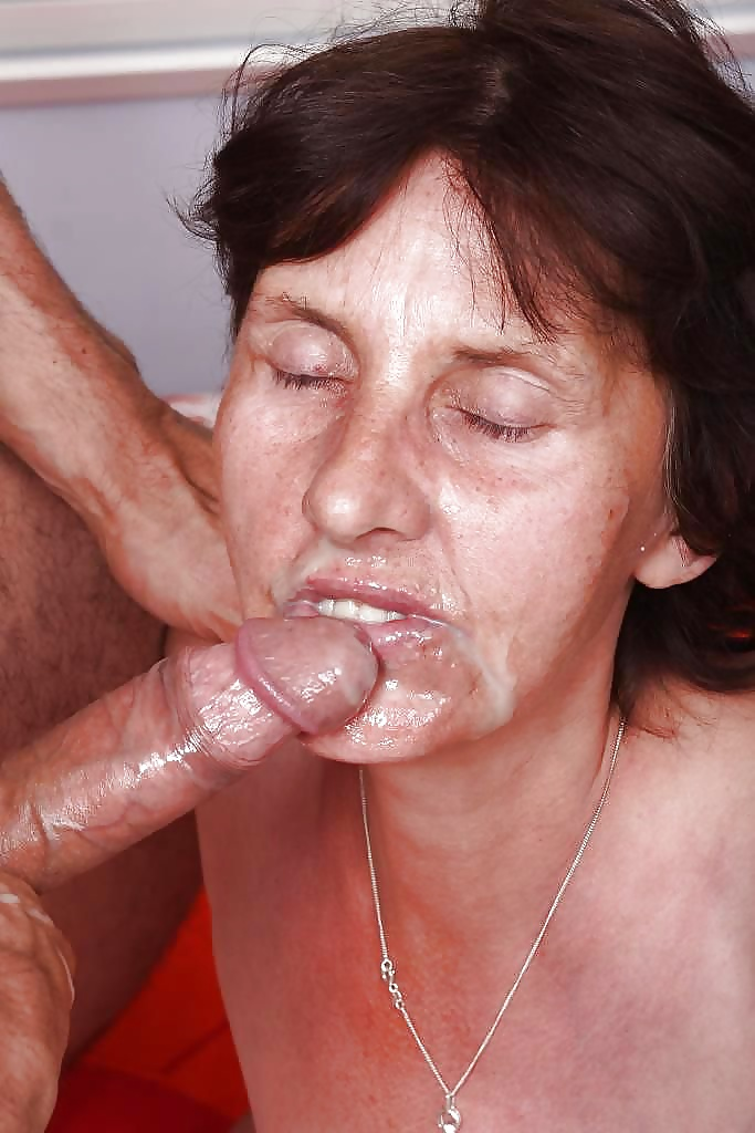 Mature women taking dick, sexy poopy