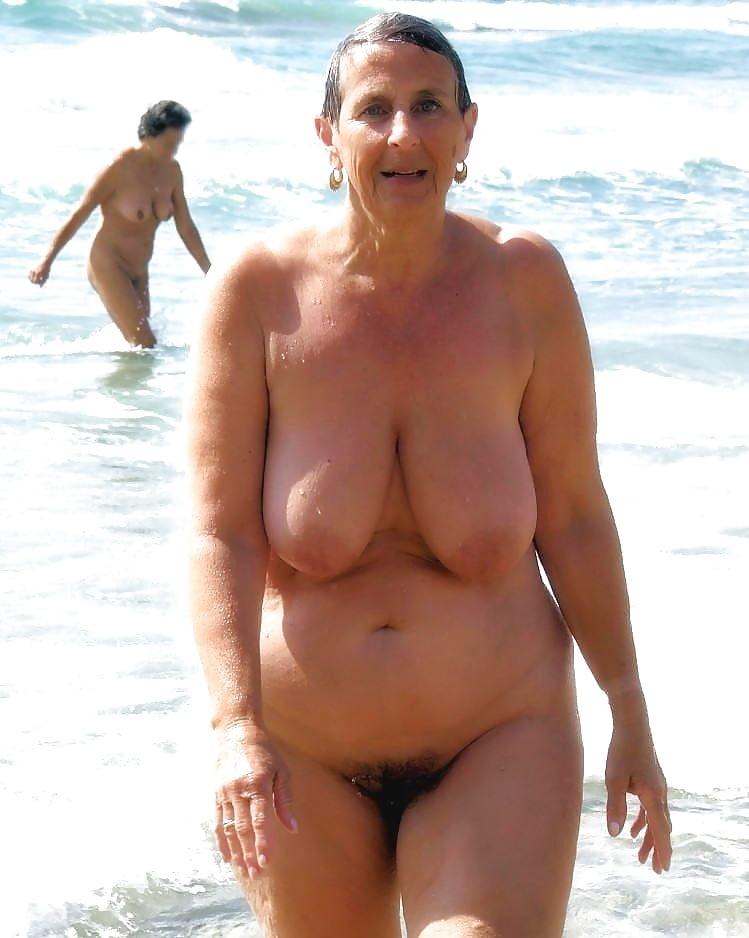 Am fkk frauen strand reife Geile Voyeur