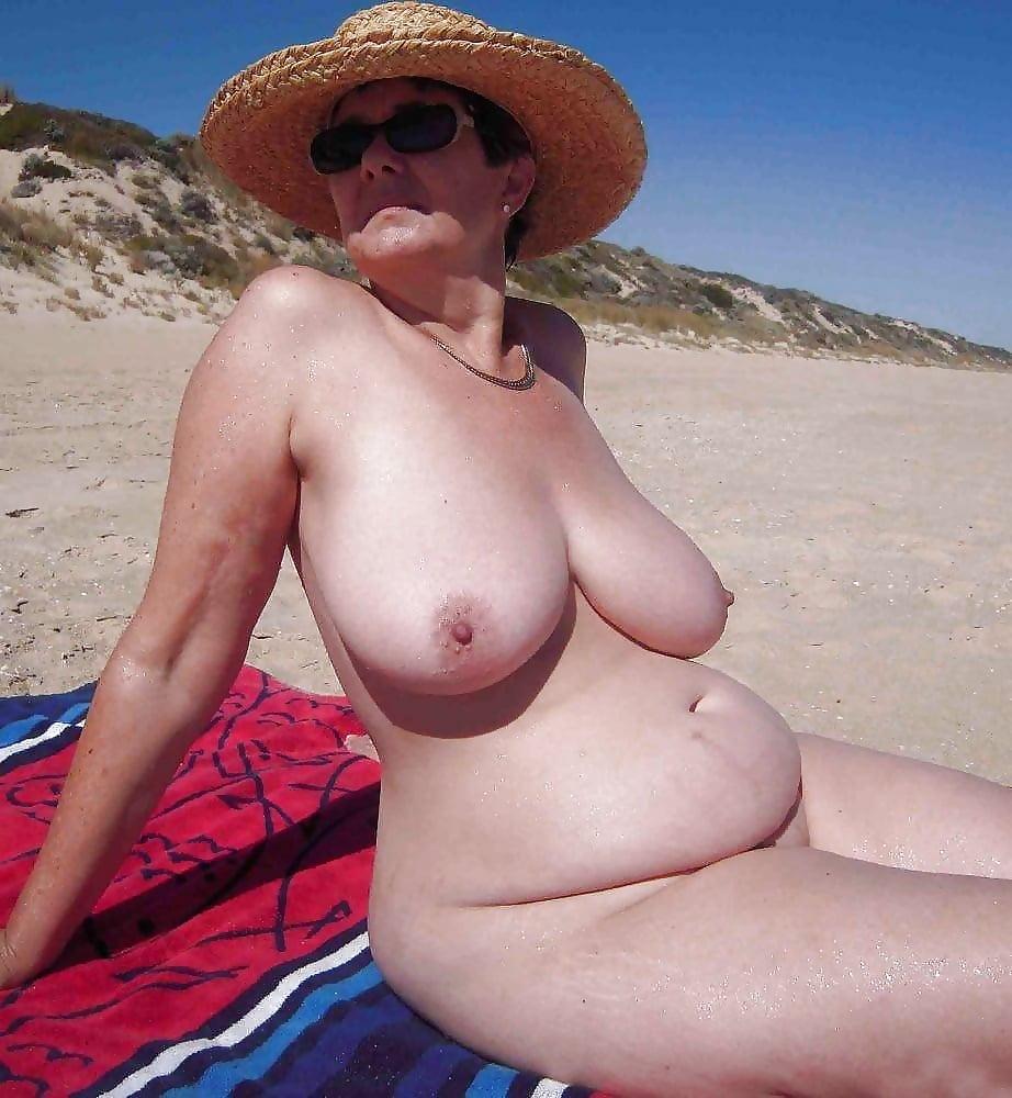 Am strand frauen reife fkk Geile Voyeur