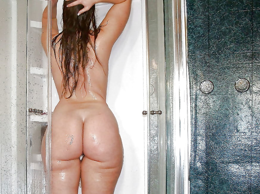 Cristian mjc nude ass in a shower