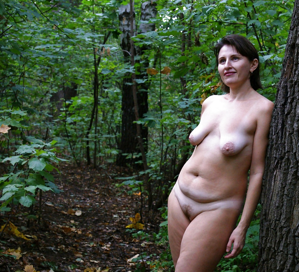 Sexy wife nude outside