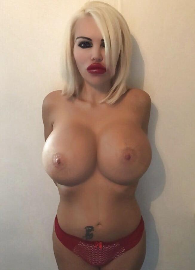 Lovelie nackt amanda Amanda Lovelie