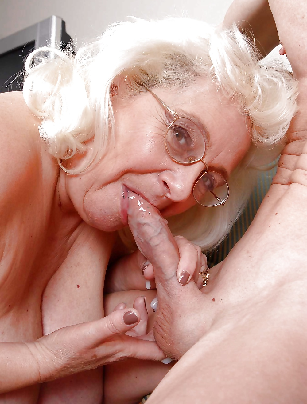 Old grannies sucking young cock, best amateur sex website