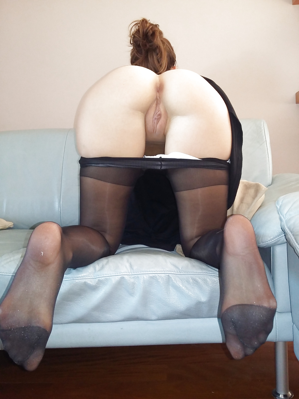 Sexy big ass amateur and stockings