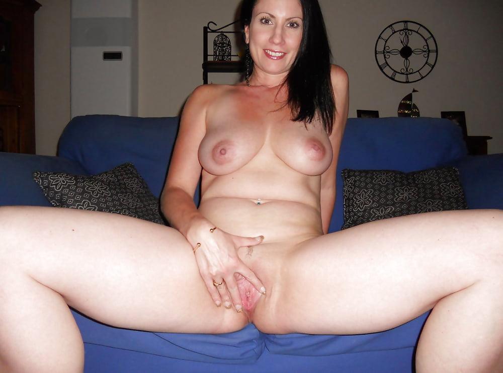 Amateur spread milf white girl ass