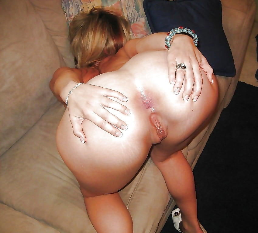 See And Save As Old Slut Shows Her Cunt Tits And Ass In Public Porn Pict