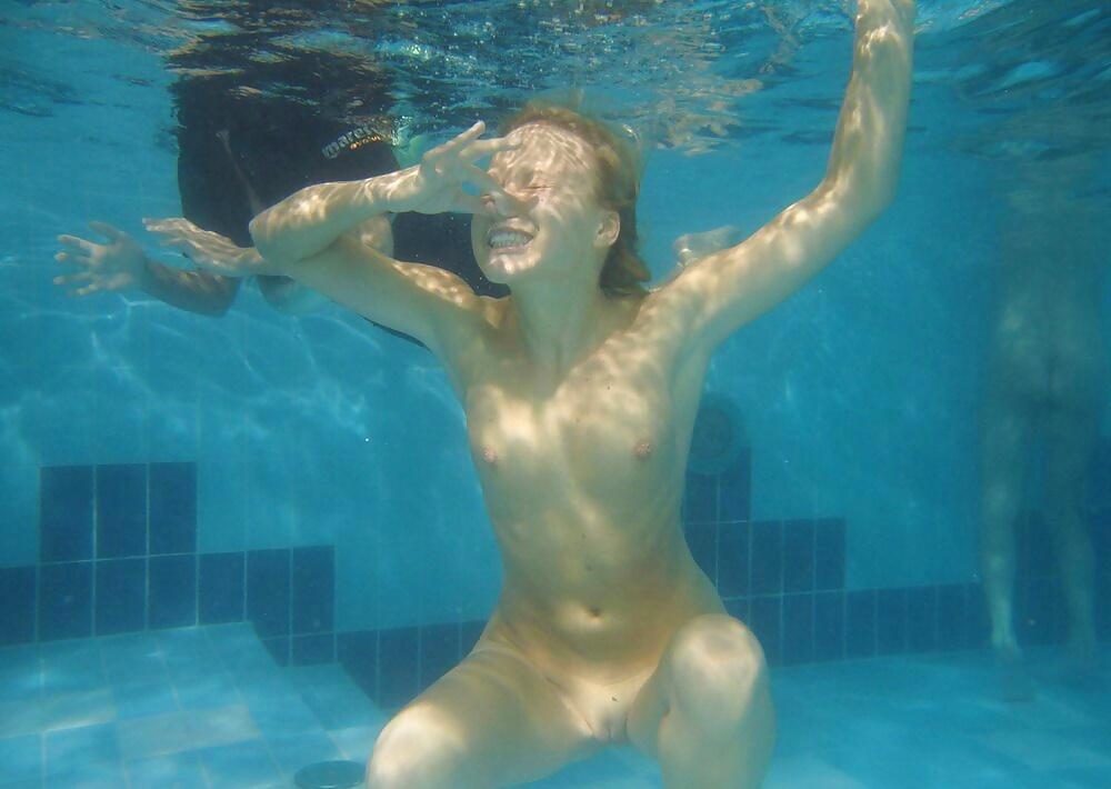 Nude pool porn pics