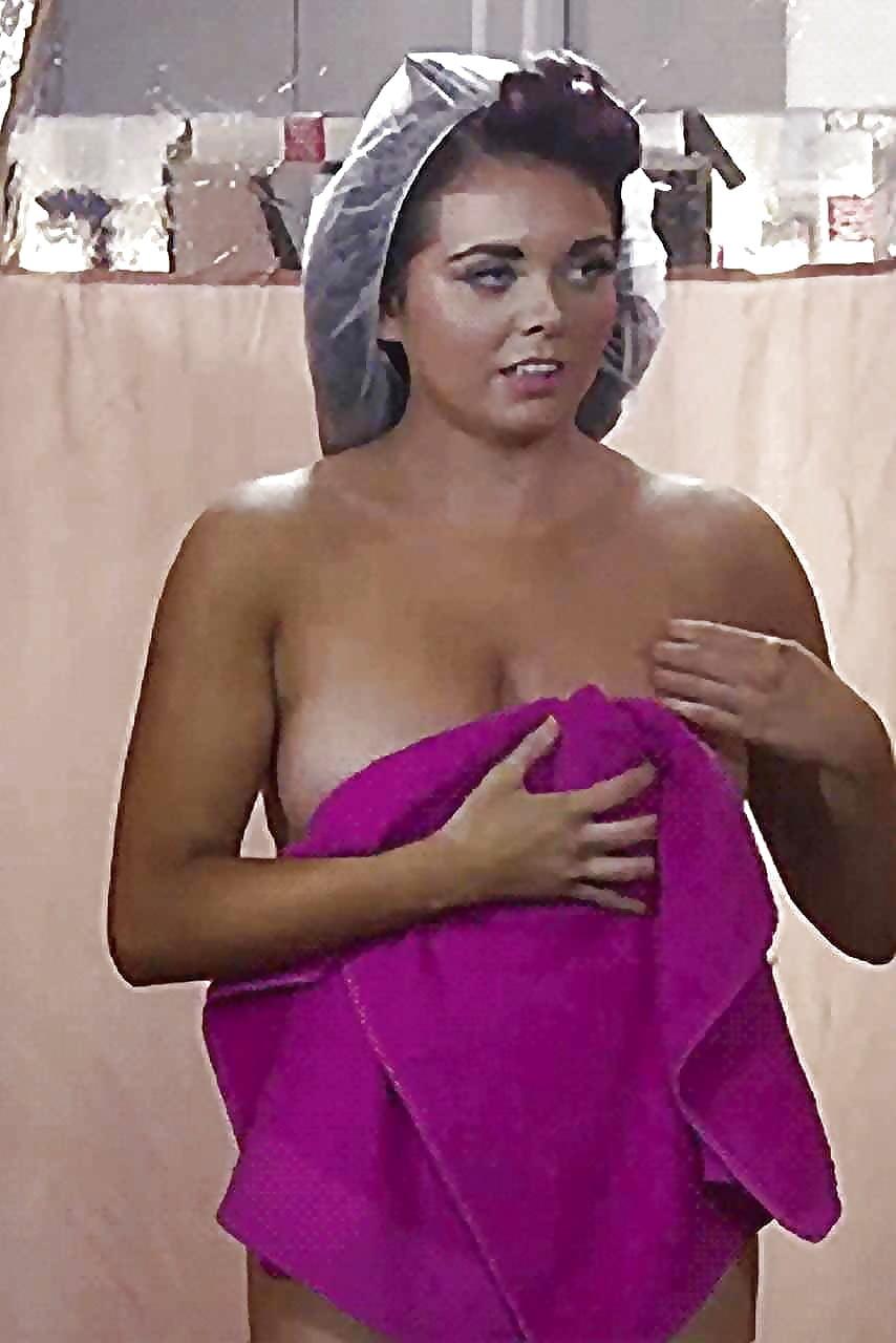 Nackt Scarlett Moffatt  Scarlett Moffatt