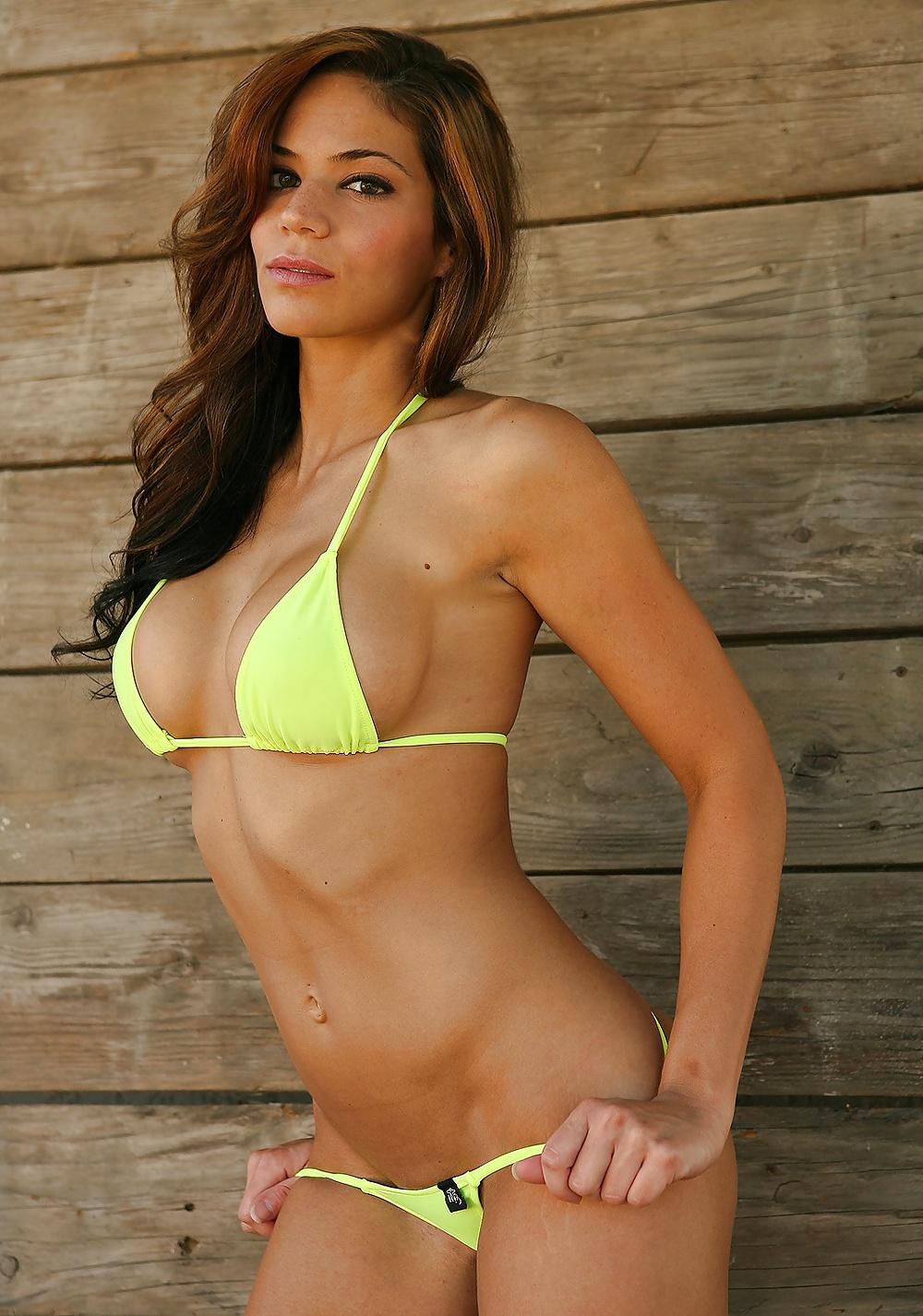 Hottie in micro bikini