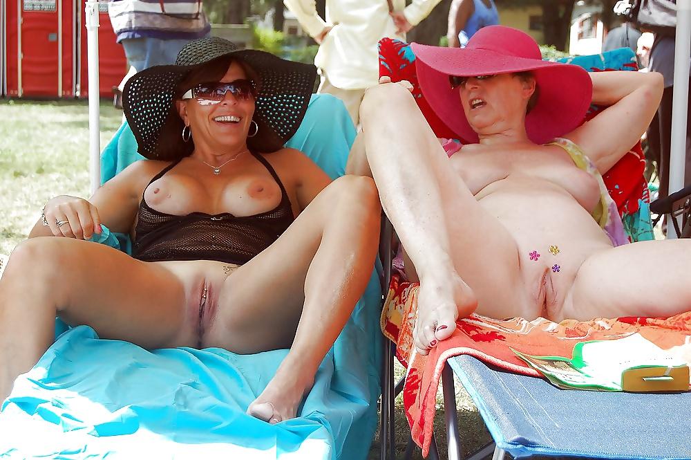 Voyeur mature mom real sex