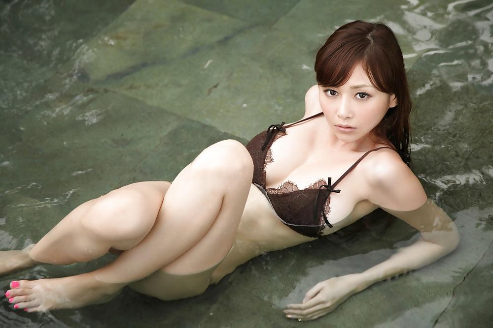 голые японочки моются видео хорошем качестве