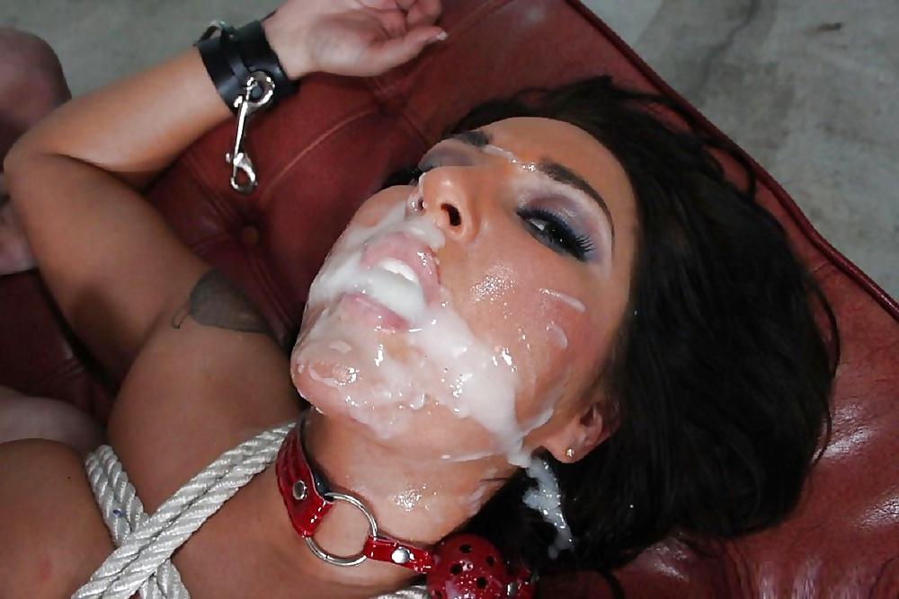 накончали полный рот спермы девка захлебнулась