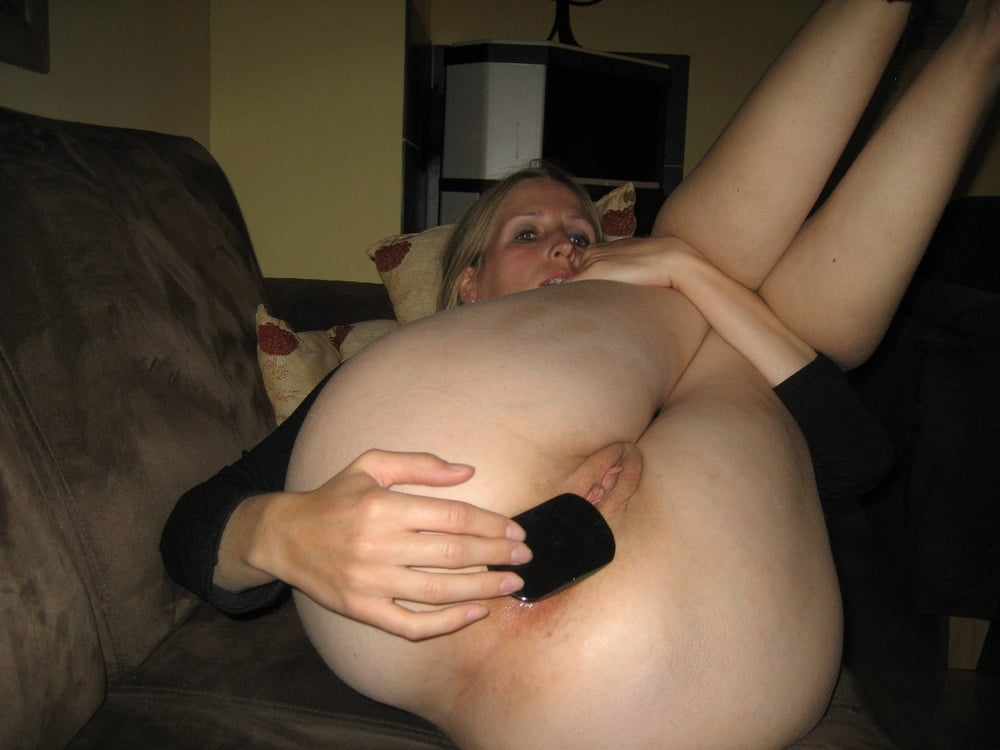 Appealing mature woman sm65